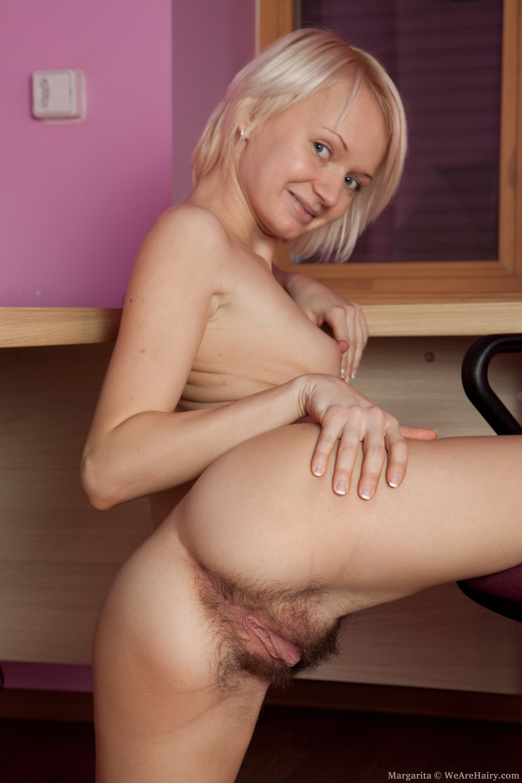 Two Hot Blonds Using the Sybian and Vibrators - Free Porn